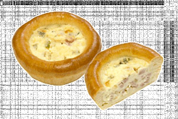 Пирожок Лоранский с индейкой, ветчиной и сливочно-сырным соусом