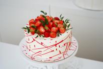 Торт с клубникой №4 SWEETMARIN