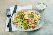 Салат из свежих овощей с йогуртом